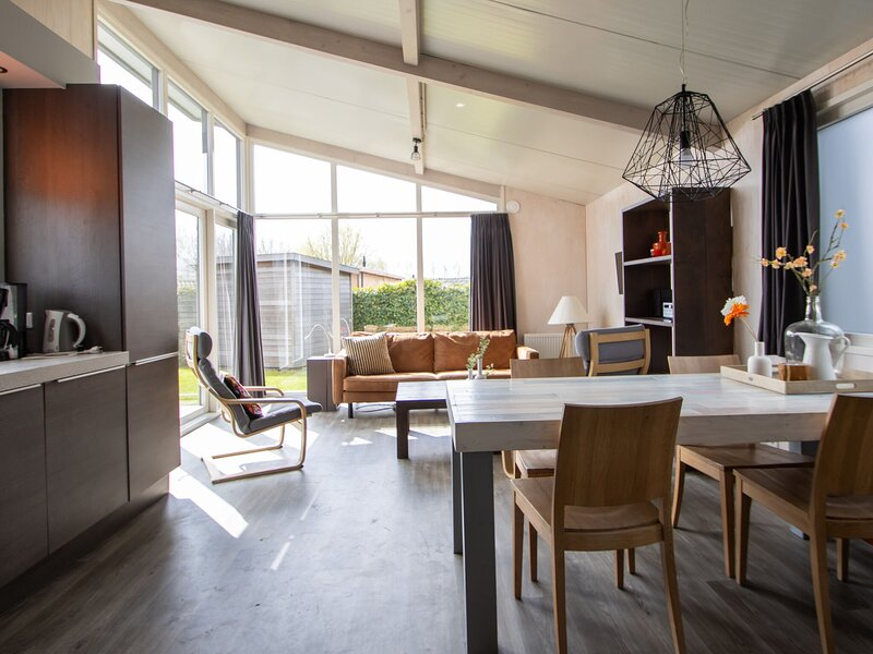 Attractive Holiday Home in the centre of Sint-Annaland, holiday rental in Sint Maartensdijk