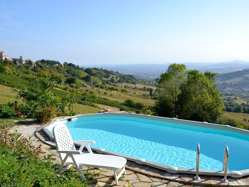 Elegant Holiday Home in Cupramontana with Swimming Pool, holiday rental in Angeli Stazione