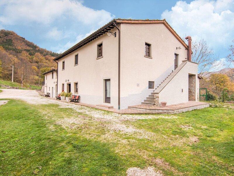 Inviting Apartment in Borgo Pace amidst hills, vacation rental in Badia Tedalda