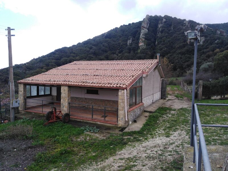 Alluring Holiday Home in Godrano with Garden and Barbeque, location de vacances à Ciminna