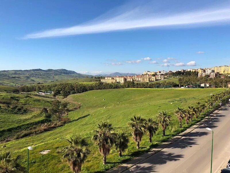 Comfortable Apartment in Agrigento with Balcony, location de vacances à Aragona