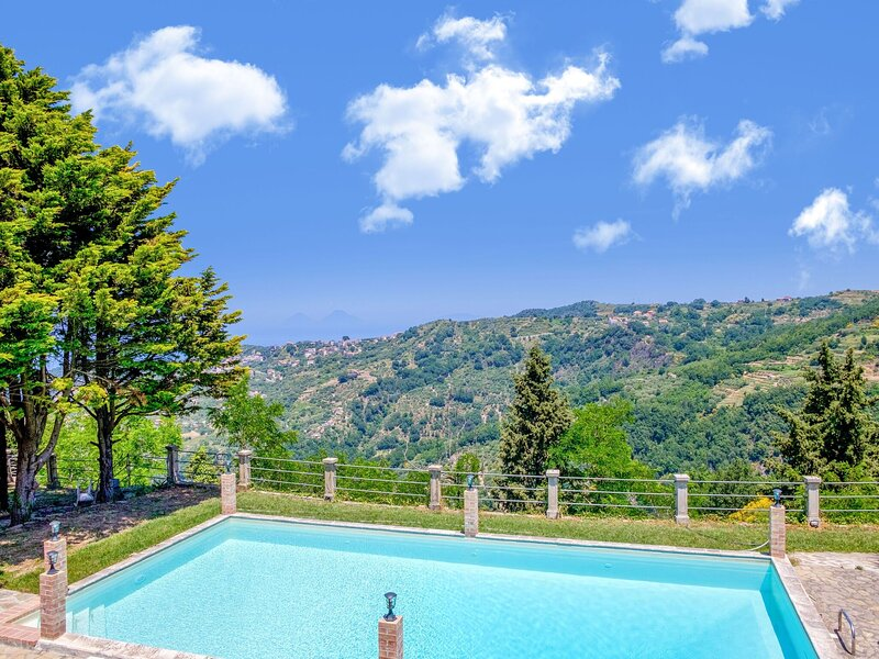 Alluring holiday home in Ficarra with furnished garden, holiday rental in Tortorici