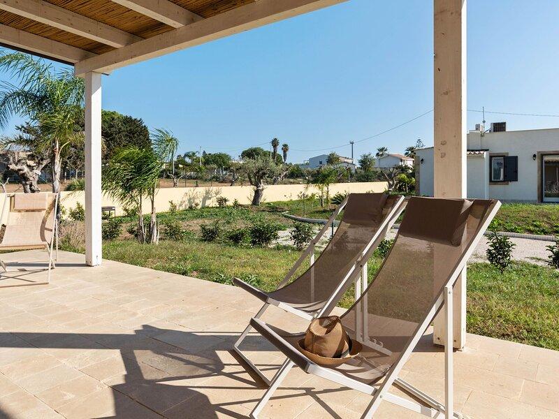 Restful Villa in Noto neat to the Sea, location de vacances à Reitani
