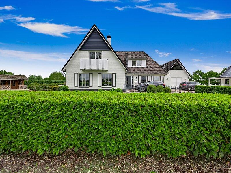 Tasteful Villa in Didam with Garden, vacation rental in Bedburg-Hau
