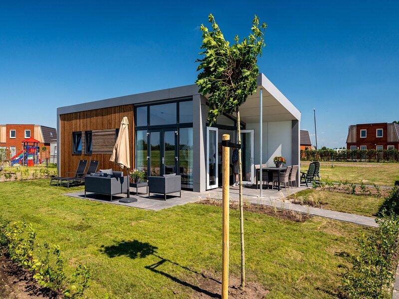 Modern chalet with dishwasher, in Friesland, holiday rental in Sneek