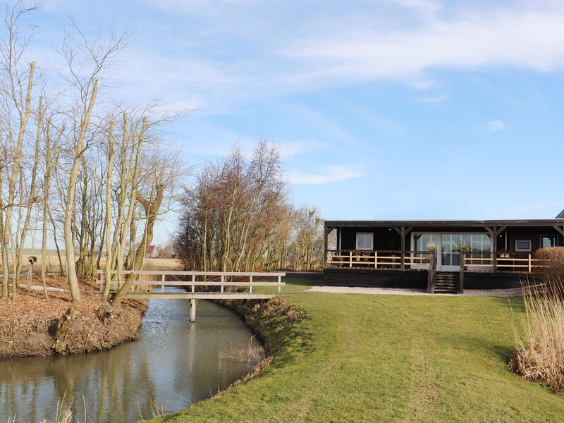 Tranquil Cottage in Paesens with Private Terrace, holiday rental in Nes