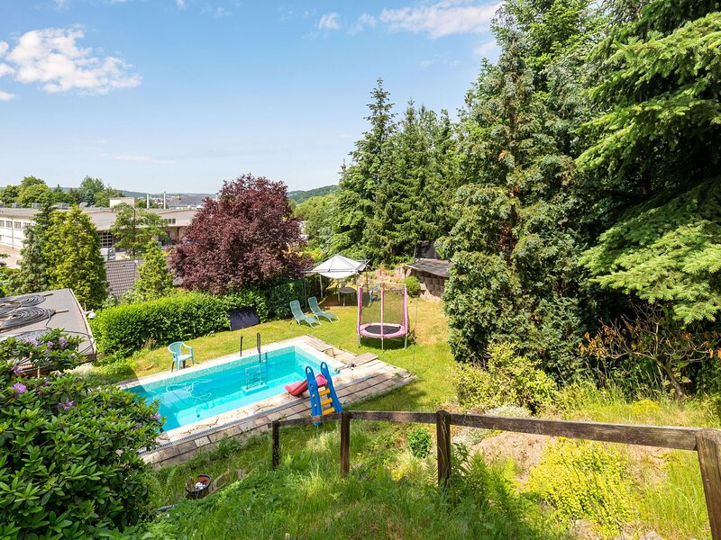 Refreshing Apartment in Dresden with Private Swimming Pool, location de vacances à Hetzdorf b. Niederschoena