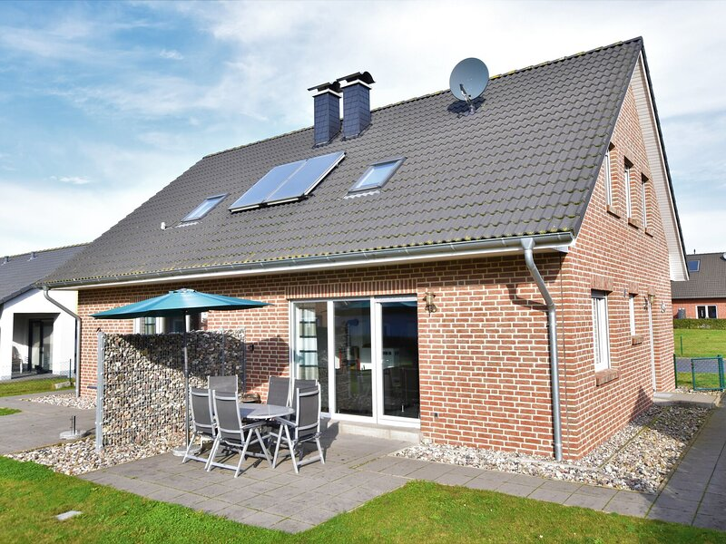 Lovely Holiday Home in Zierow with Garden near Seabeach, holiday rental in Zierow