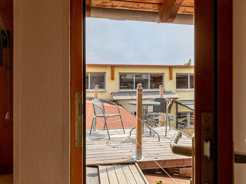 Simplistic Apartment in Eisenach near City Centre / not for construction worker, aluguéis de temporada em Eschwege
