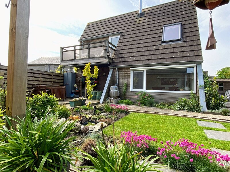 Modern Holiday Home in Grou with Garden, vacation rental in Earnewald
