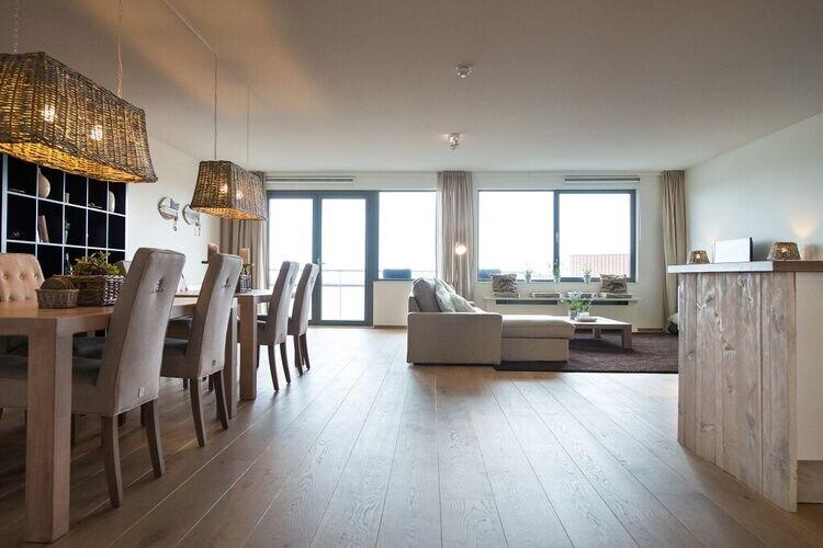 Sea-view Apartment in Den Haag with Balcony, holiday rental in Scheveningen