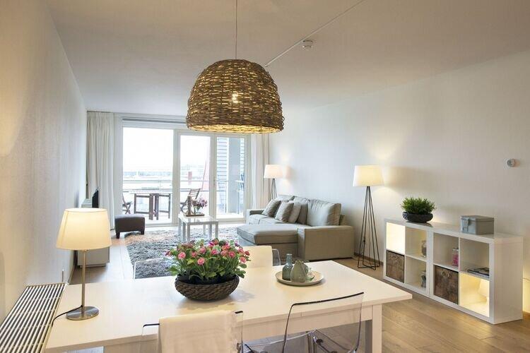 Modern Apartment in Den Haag with Balcony overlooking Seaside, holiday rental in Scheveningen