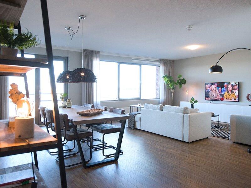 Two room apartment overlooking the harbor, holiday rental in Scheveningen