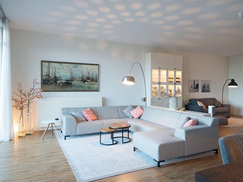 Appealing Apartment in Den Haag with Balcony, Terrace, aluguéis de temporada em Scheveningen