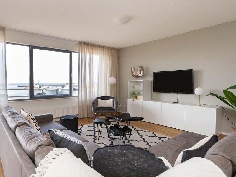 Sea-view Apartment in Den Haag near Beach, holiday rental in Scheveningen