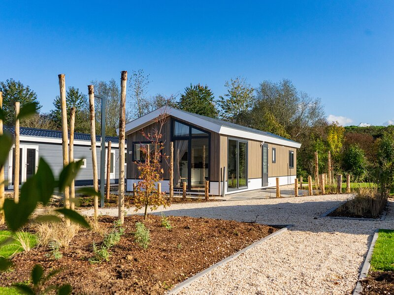 Modern chalet with dishwasher, near a nature reserve, holiday rental in Linden