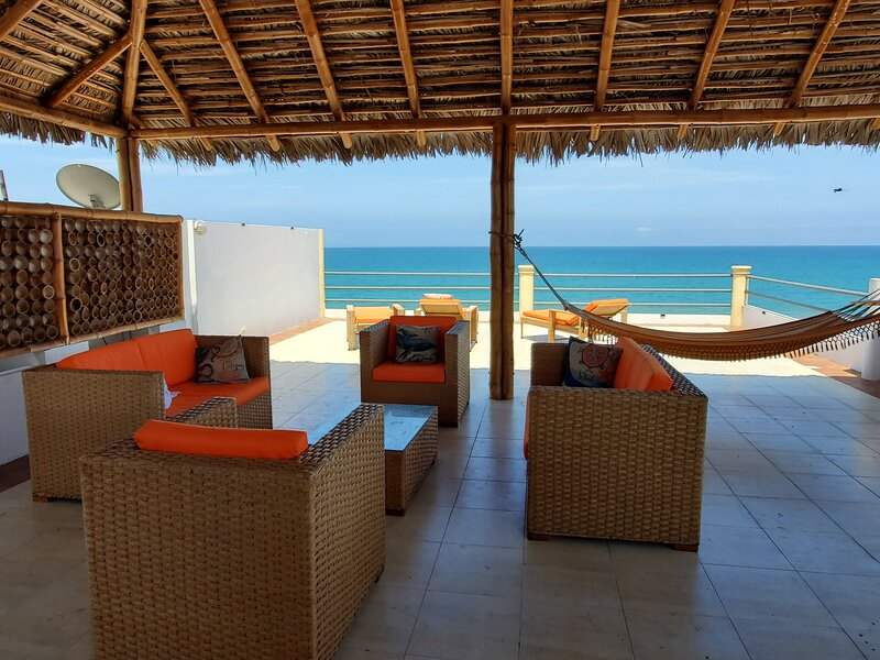 Beach Front Palapa Penthouse, holiday rental in Manabi Province