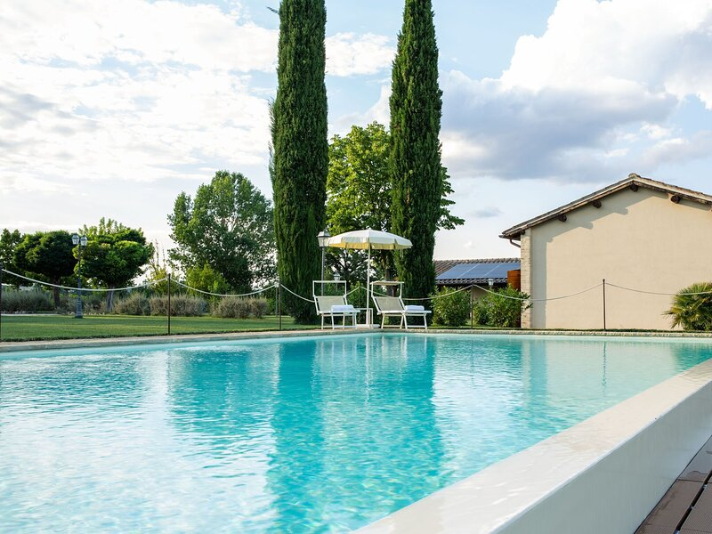 Amazing Apartment in Papiano with Patio and BBQ, alquiler de vacaciones en Marsciano