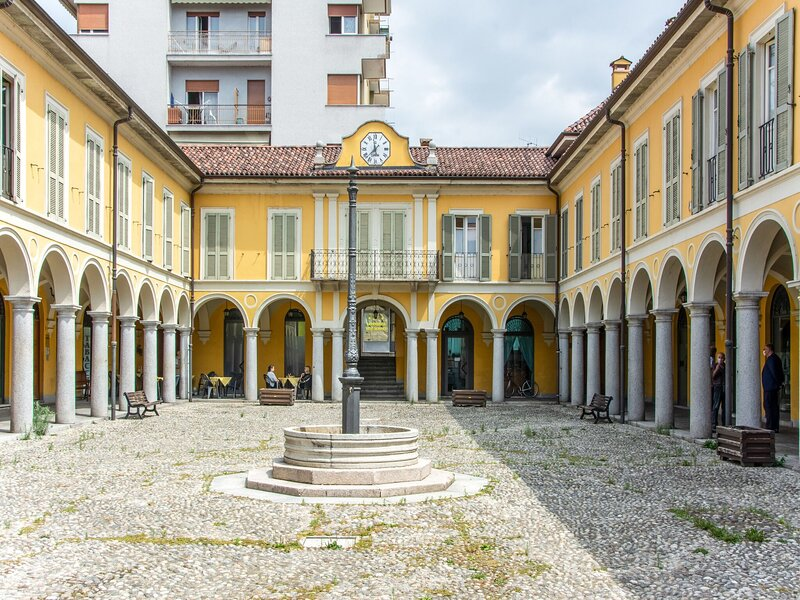 Refined Apartmet in Pallanza with Balcony, holiday rental in Pallanza