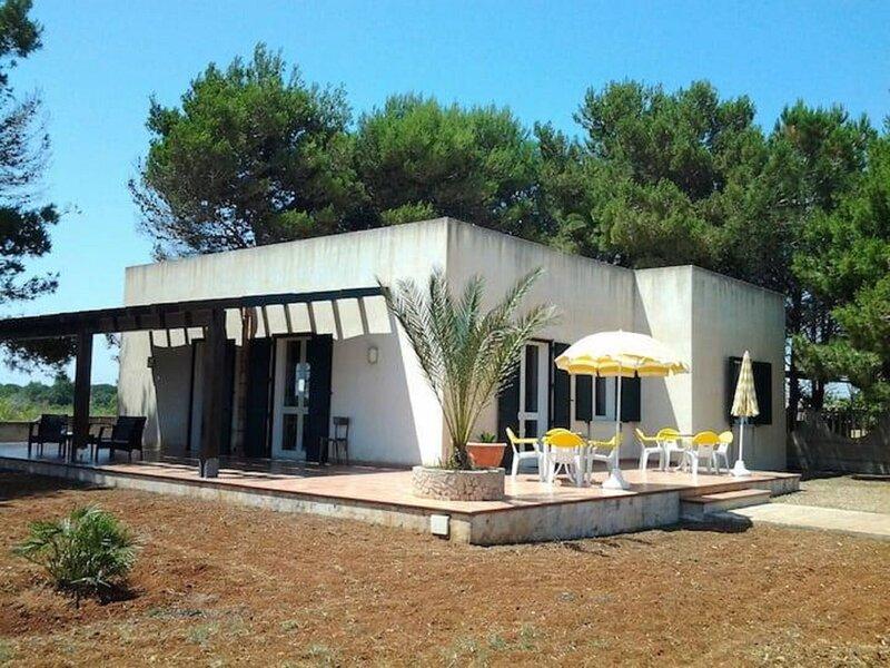 Beautiful Holiday Home in Triscina di Selinunte next to Sea, alquiler vacacional en Castelvetrano