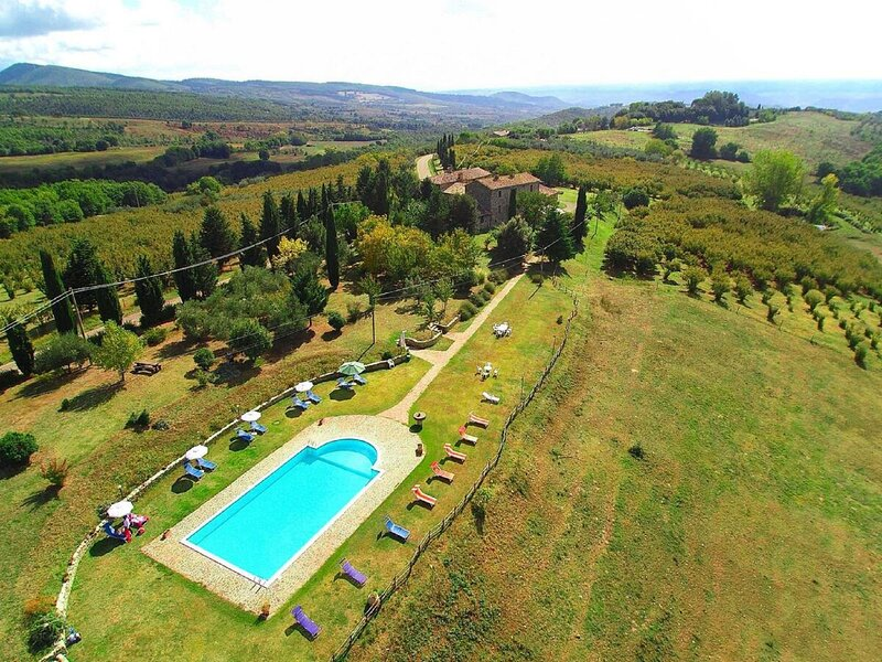 Characteristic accommodation in Orvieto with a swimming pool, holiday rental in Sala