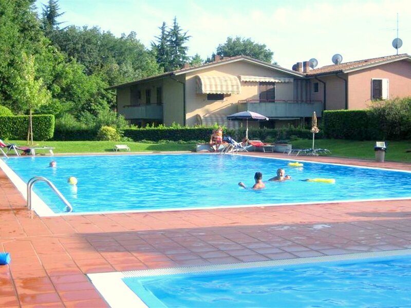 Serene Holiday Home in Lazise with Swimming Pool, holiday rental in Cola