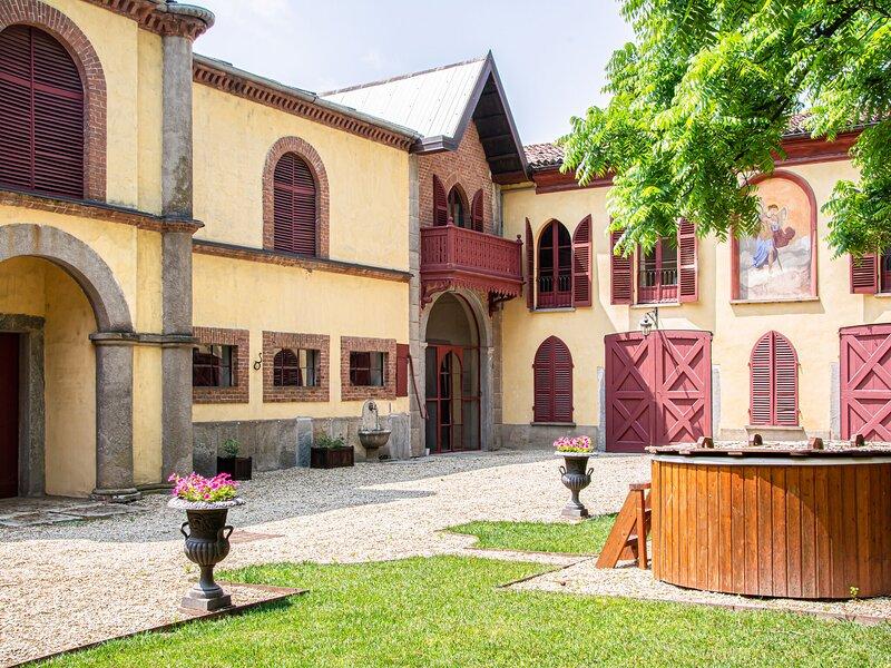 Timeless apartment in Racconigi with garden and sauna, location de vacances à Moretta