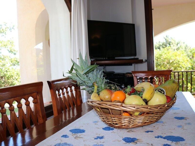 Rustic Villa in Porto Cervo with Private Pool, holiday rental in Liscia di Vacca
