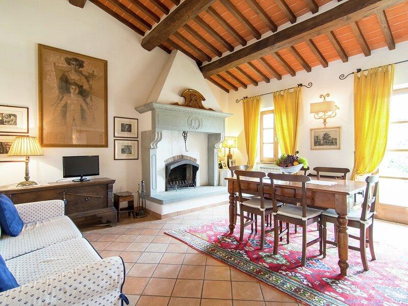 Modern Holiday Home in Cortona with Pool, location de vacances à Montalla
