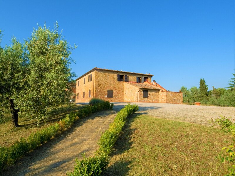 Ideal Farmhouse in Gambassi Terme-Fi with Swimming Pool, holiday rental in Varna