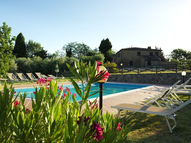 Countryside Holiday Home in Gambassi Terme with Garden, holiday rental in Varna