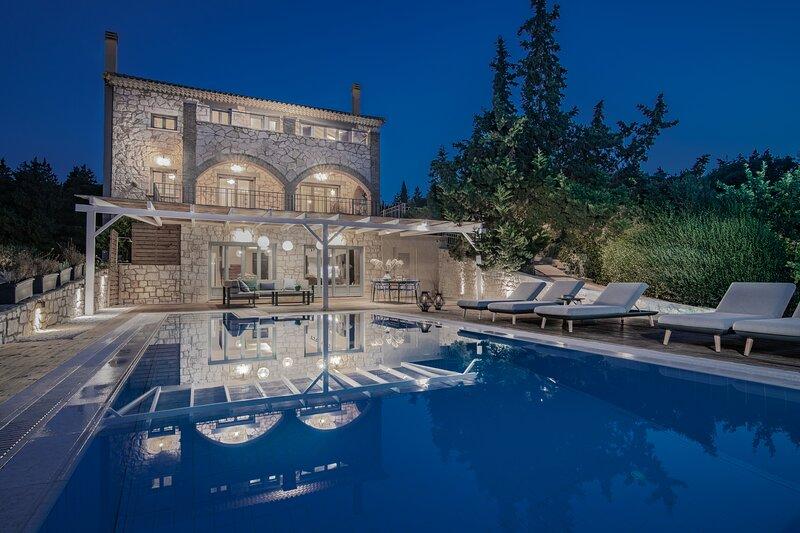 Mira Agua Villa with Private Pool, holiday rental in Vasilikos