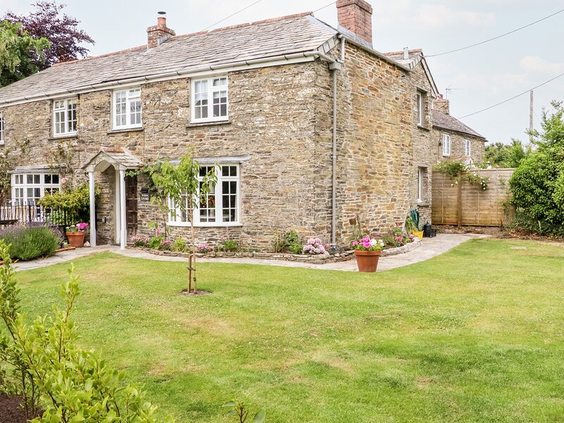 Willow Cottage, Rock, holiday rental in Tredrizzick
