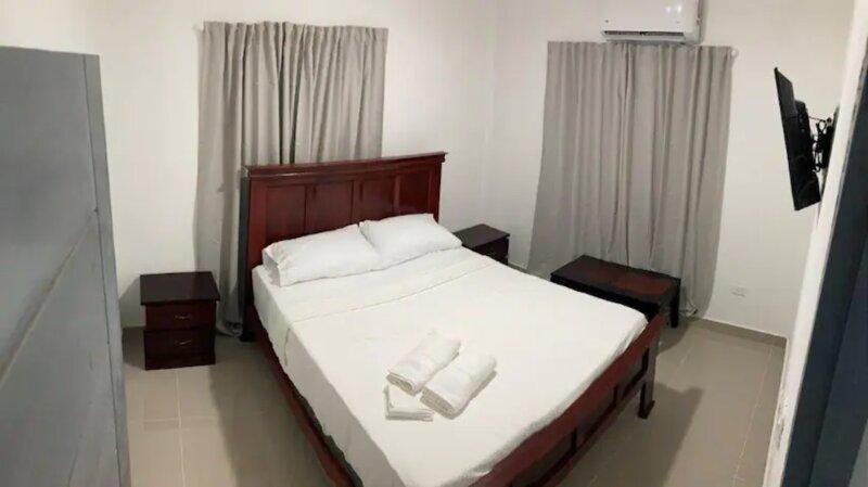 Aurora Stay Apt 3A - 2 Bedroom, 2 Queen Bed, 1 Sofa Bed, Full Kitchen, Bath, vacation rental in San Pedro de Macoris