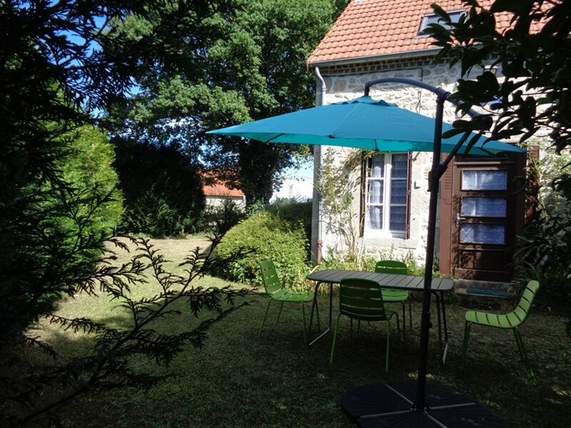 Le chêne creux, holiday rental in Charensat