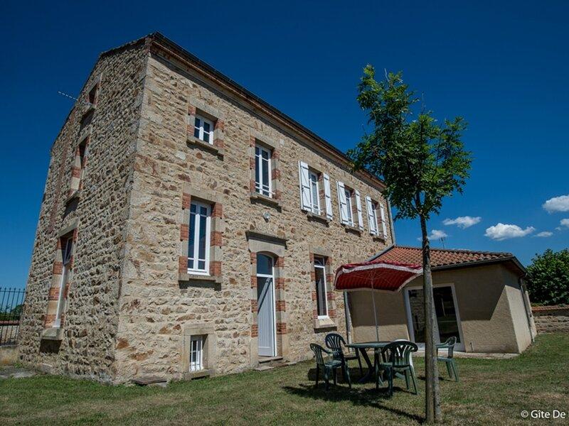 EGLISENEUVE-DES-LIARDS - 6 pers, 84 m2, 4/3, alquiler de vacaciones en Fournols