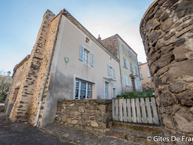 Location Gîte Villeneuve, 4 pièces, 7 personnes, holiday rental in Ardes