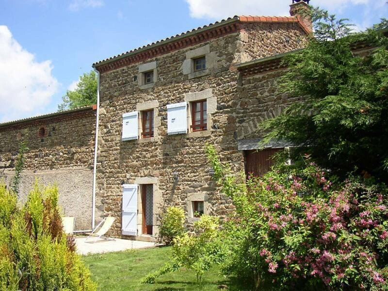 CONDAT-LES-MONTBOISSIER - 4 pers, 67 m2, 3/2, holiday rental in Saint-Amant-Roche-Savine
