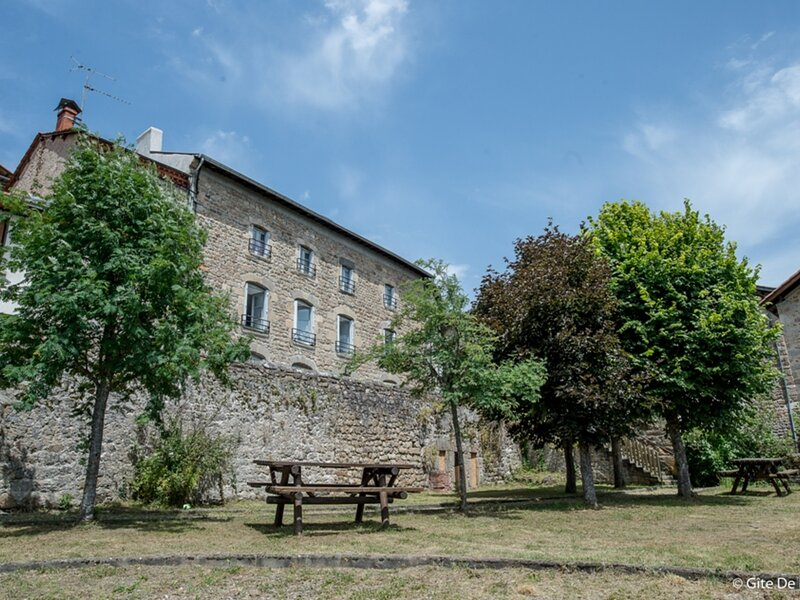 LES TAILLADES, holiday rental in Saint-Julien-d'Ance