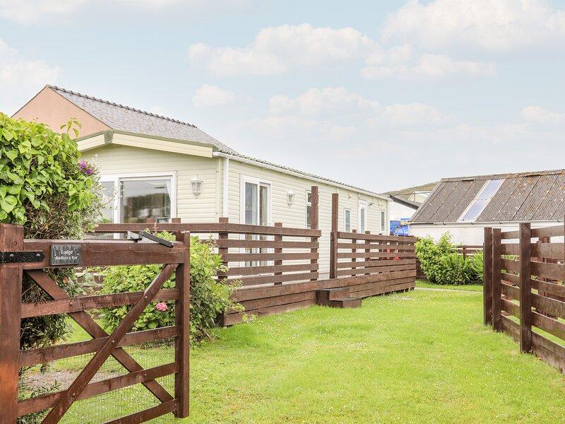 Bwthyn Y Bae Lodge, Llanfaethlu, vacation rental in Llanfaethlu