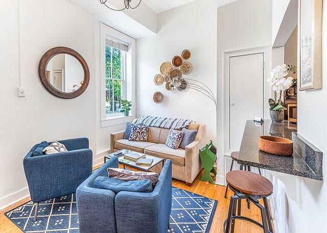 Charming Retreat Off Greene Square Perfect For Walkers By Lucky Savannah, alquiler de vacaciones en Savannah