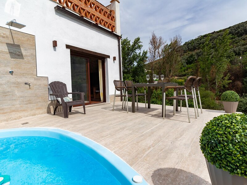 Rustic house with views in the Lecrin Valley, vacation rental in Villamena