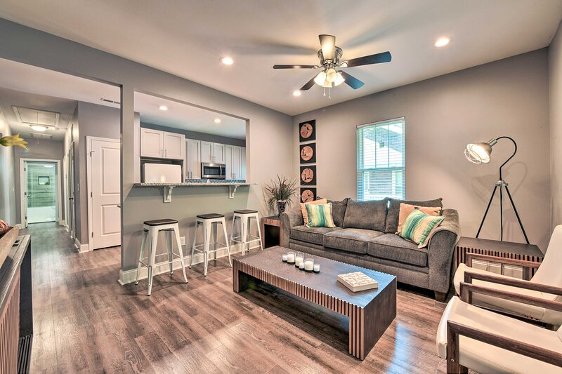 NEW! Centrally Located Charlotte Home by Amtrak!, holiday rental in Newell