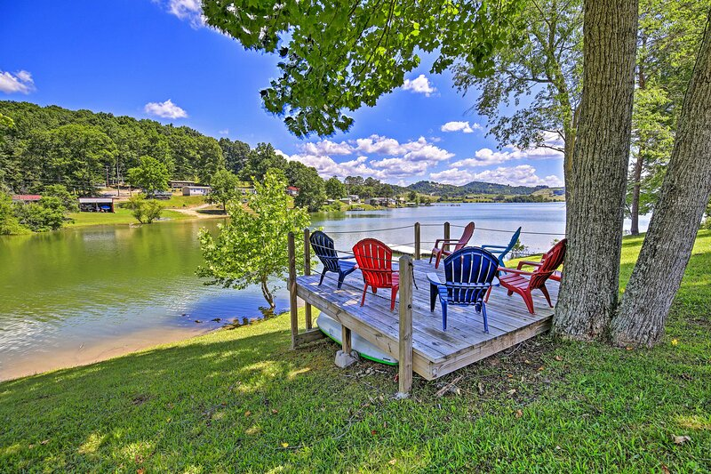 NEW! Waterside Cherokee Lake Home w/ Private Dock!, casa vacanza a New Tazewell