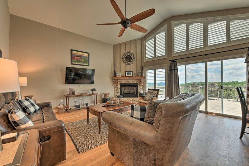 NEW! Roaring Gap Home w/ Pool Access & Mtn Views!, holiday rental in Elkin