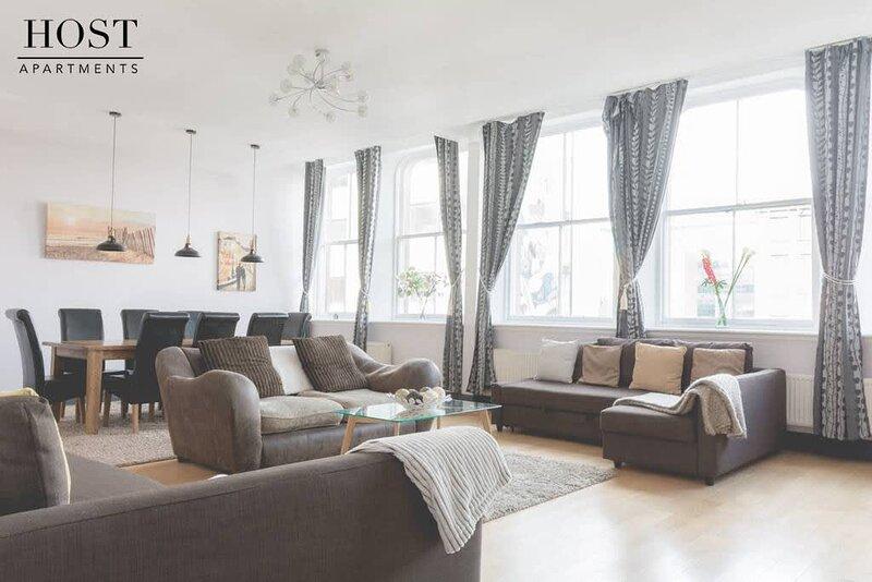 Large Grand Central Apartment, alquiler de vacaciones en New Brighton