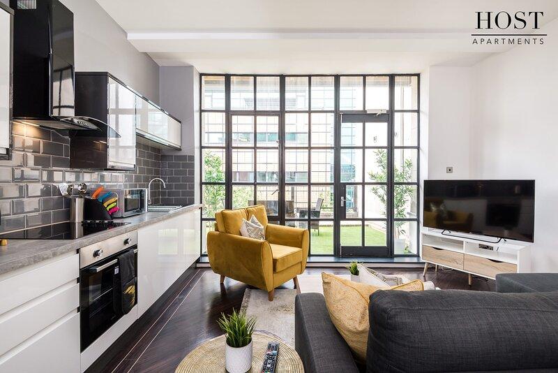 Manhattan Roof Terrace Apt | Netflix | 3 Bedrooms, alquiler de vacaciones en New Brighton