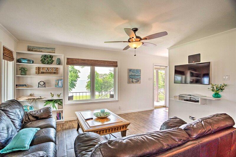 NEW! Pottsboro Condo w/ Lake Texoma Beach Access!, holiday rental in Denison