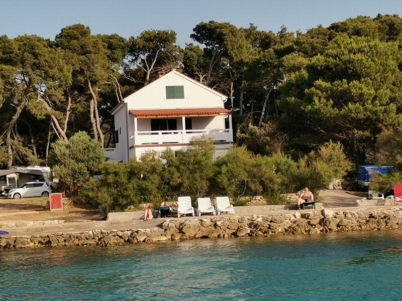 Igi - 15m from the sea: A1 Porat (6+2) - Susica, holiday rental in Susica