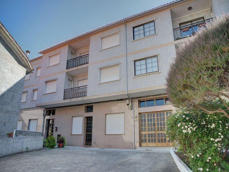 Simplistic Holiday Home in Combarro with Seaviews, holiday rental in San Xoan de Poio